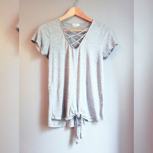 🌟PRICE DROP Lace up front tie tee